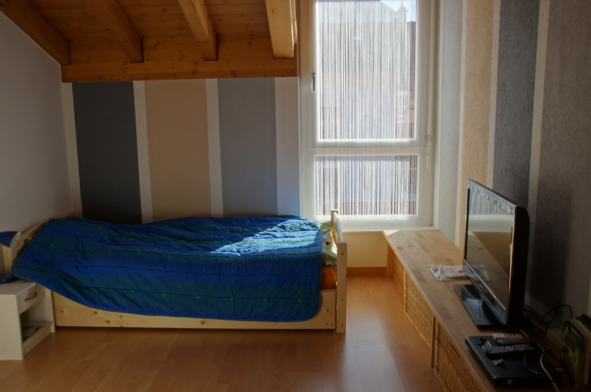 Other bedroom. A second bed can also be pulled out. In addition there is a mezzanine with a bed in that room