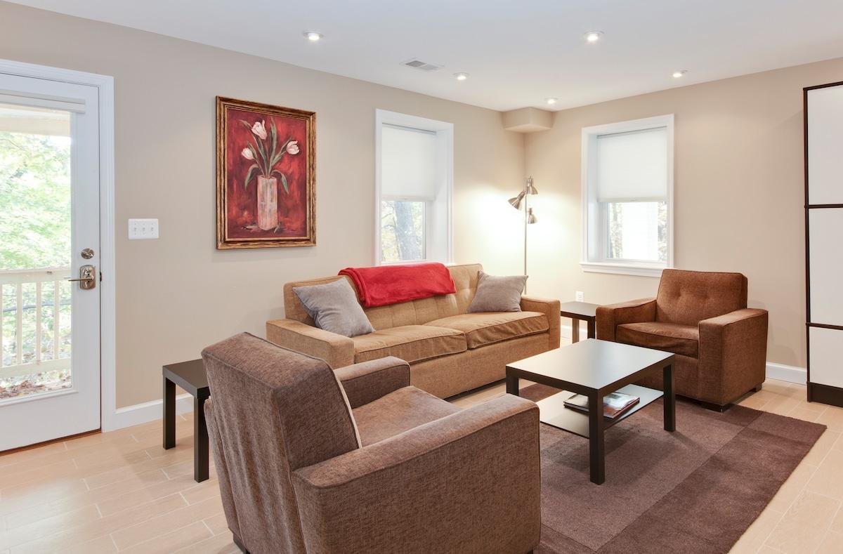 Woodley Park Studio Apartment