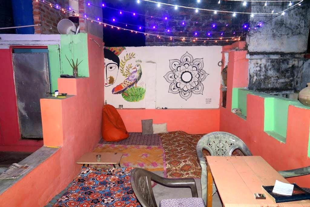 Guest house with awesome rooftop - Varanasi - Hus