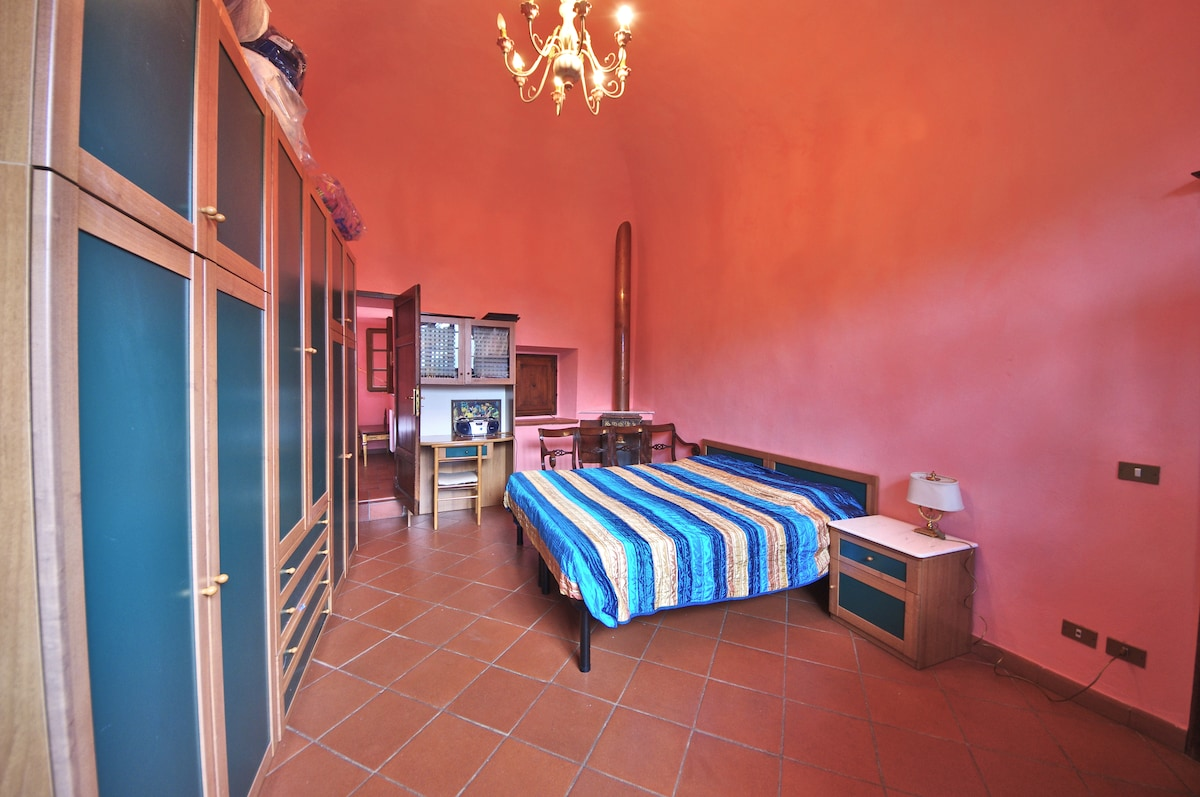 VOLTERRA TUSCANY Double Bed Room