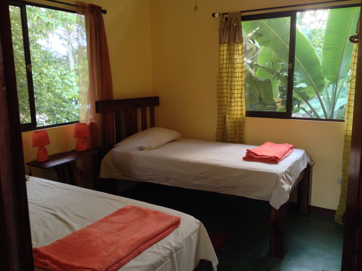 Second bedroom among the zapote and capulin trees