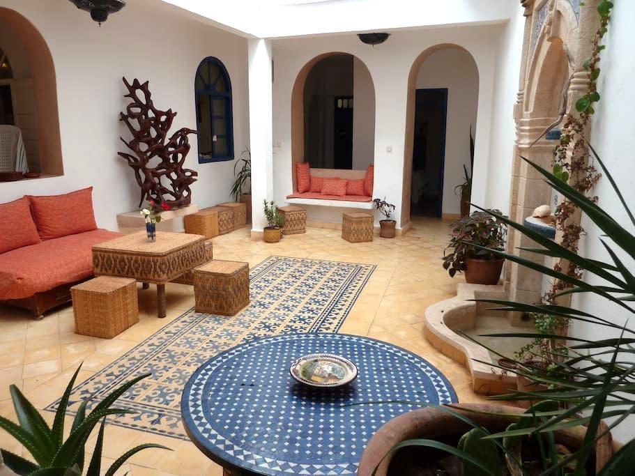 Chambre n°7 au Riad AL JAMIL - Essaouira - Bed & Breakfast