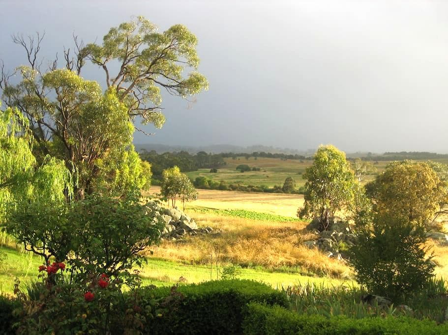 Picturesque Permaculture Property  - Bungonia - Bed & Breakfast