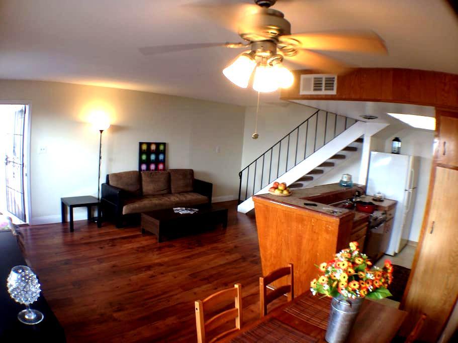 Simple 1bd Apt near SacState (CSUS) & CalExpo - Sacramento - Apartment