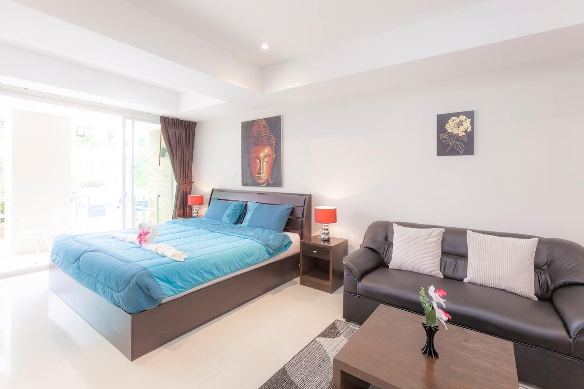 Patong Poolside Studio Apartment