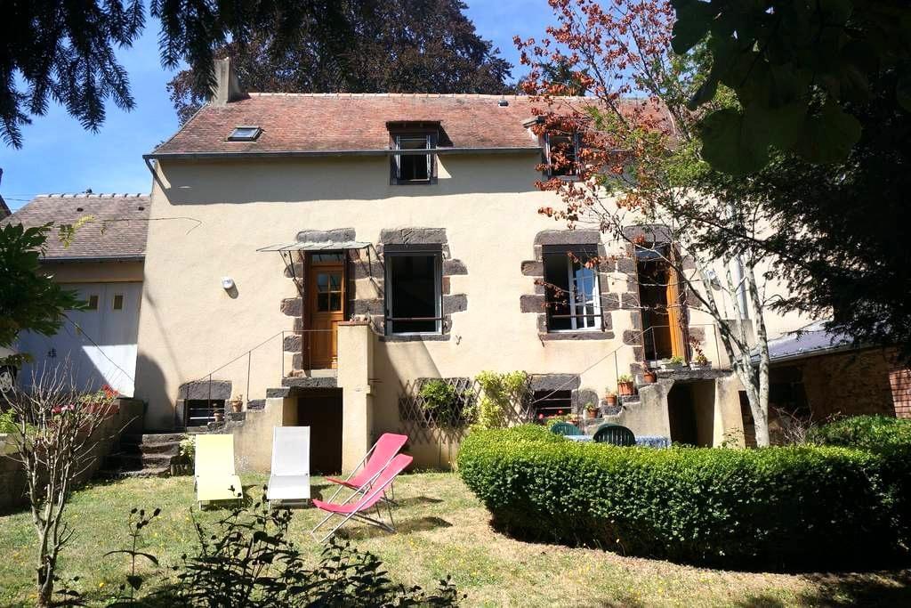 Maison de caractère au coeur des Alpes Mancelles - Fresnay-sur-Sarthe