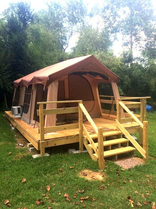 Glamping Tent (Hot Tub & More) - Murrayville