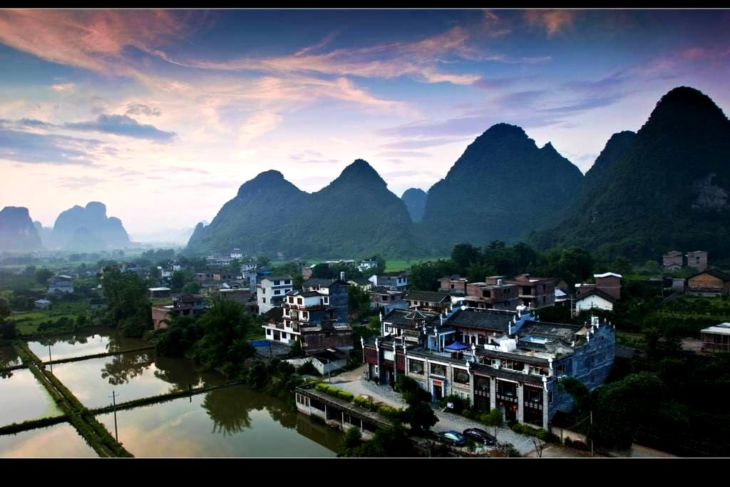 A Great Mountain and River View House in Yangshuo - Guilin - Huis