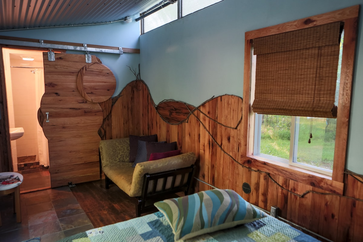 Woodshed Unit with queen bed and private bath.