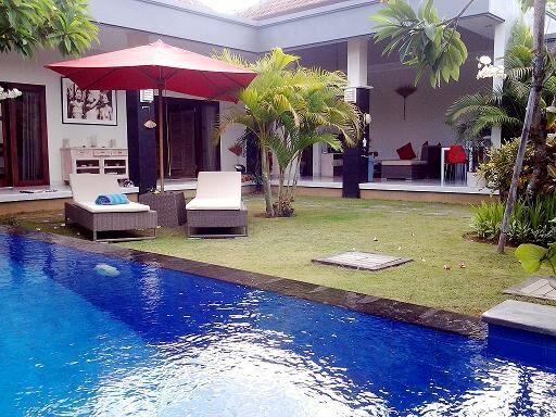 2 BD Villa Pool 300m Beach Seminyak