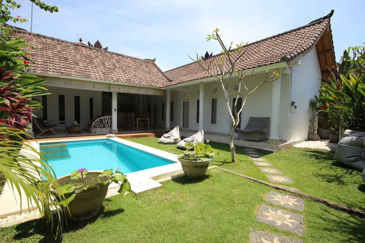 Main entry Villa Bali Cocoon (vue de l'entrée principale de la villa)