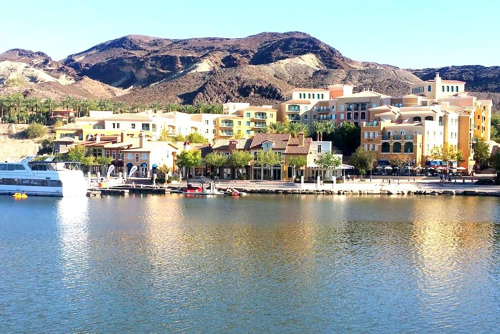 Lake Las Vegas. Great views - lake las vegas - อพาร์ทเมนท์