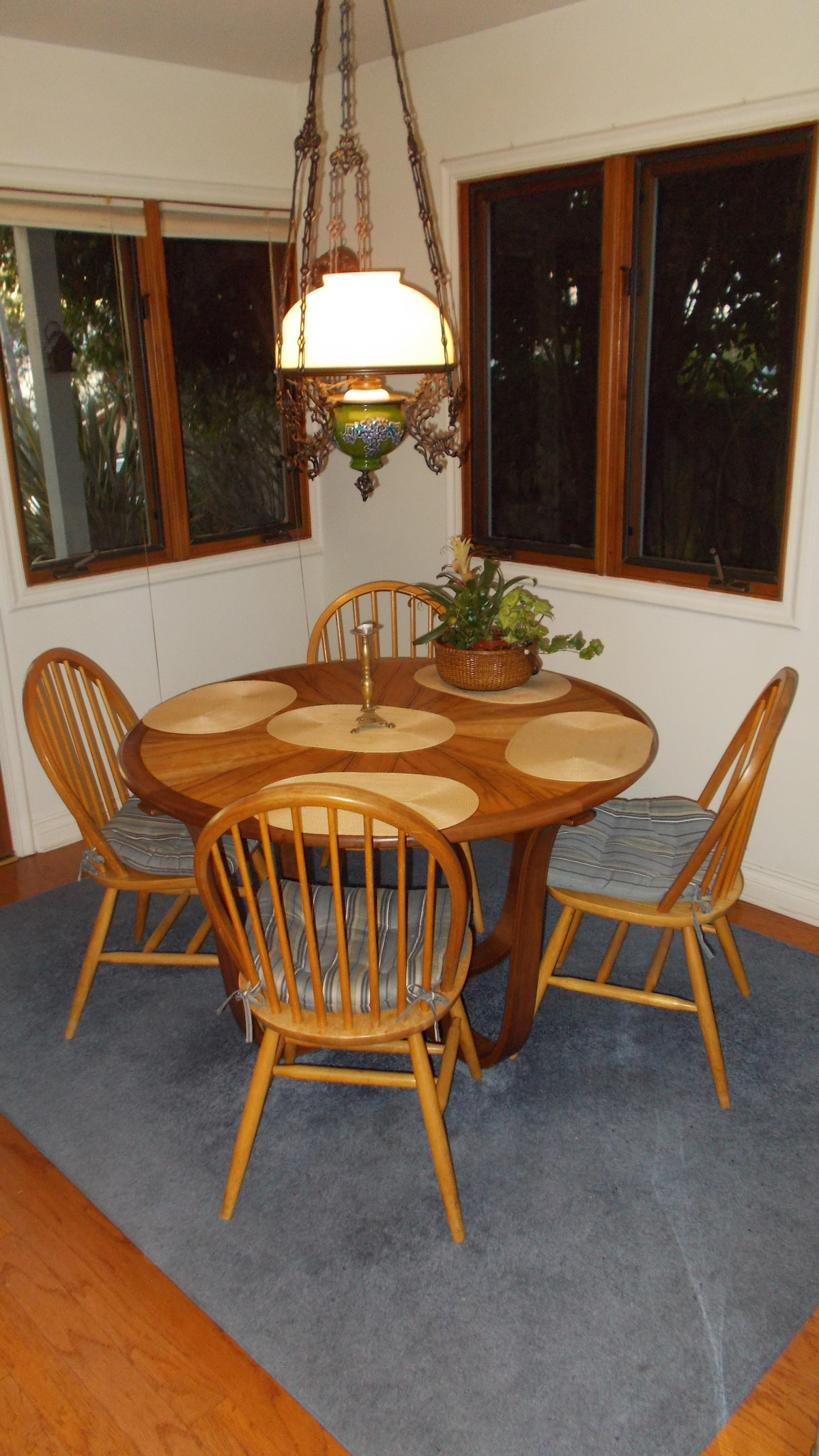 Enjoy a hot breakfast upstairs in the dining area while taking in the morning scenery outside.