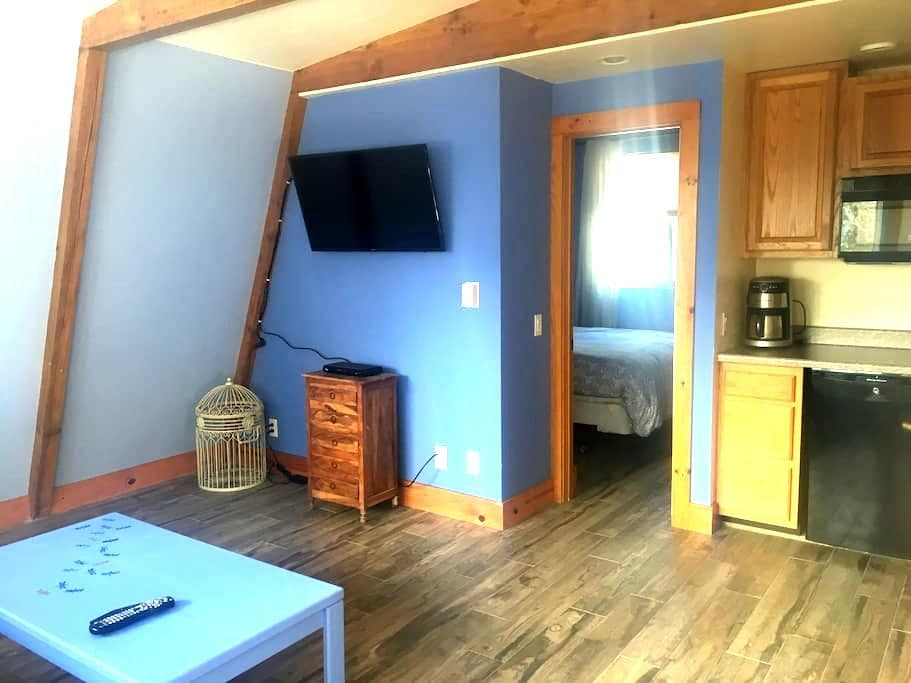 Peaceful Mountain Apartment - Tahoe City - Apartment