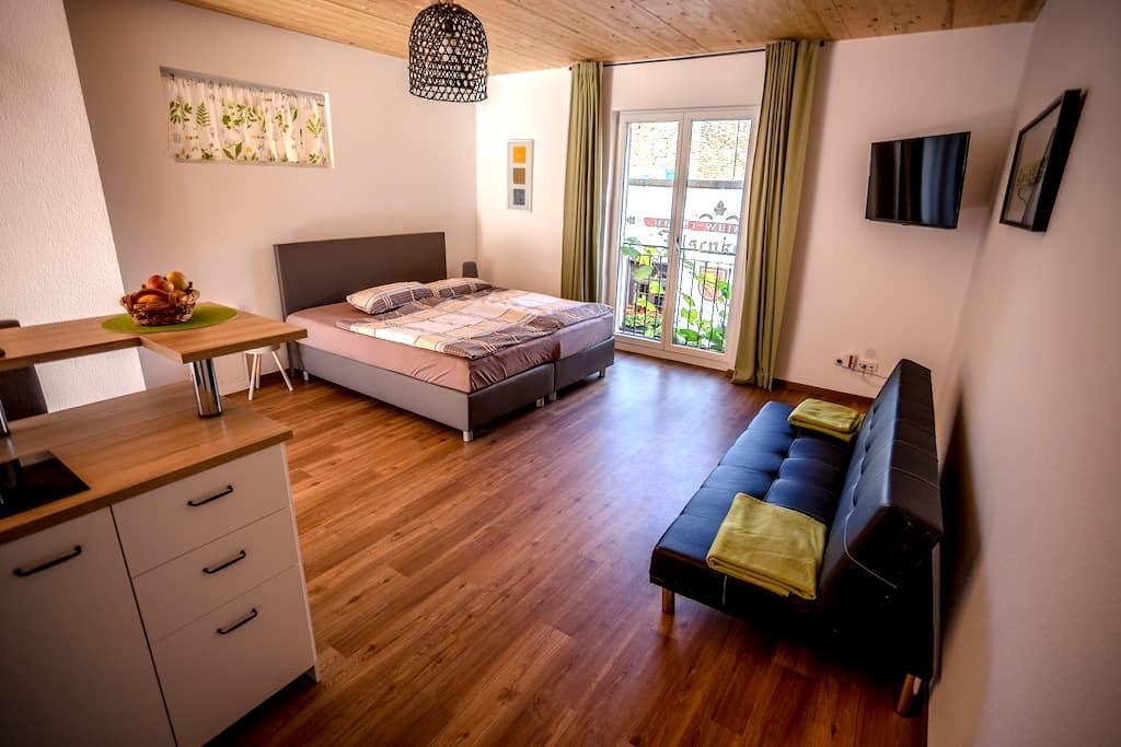 Cablecar view, terrace, cabin 11 - Rüdesheim am Rhein - Apto. en complejo residencial