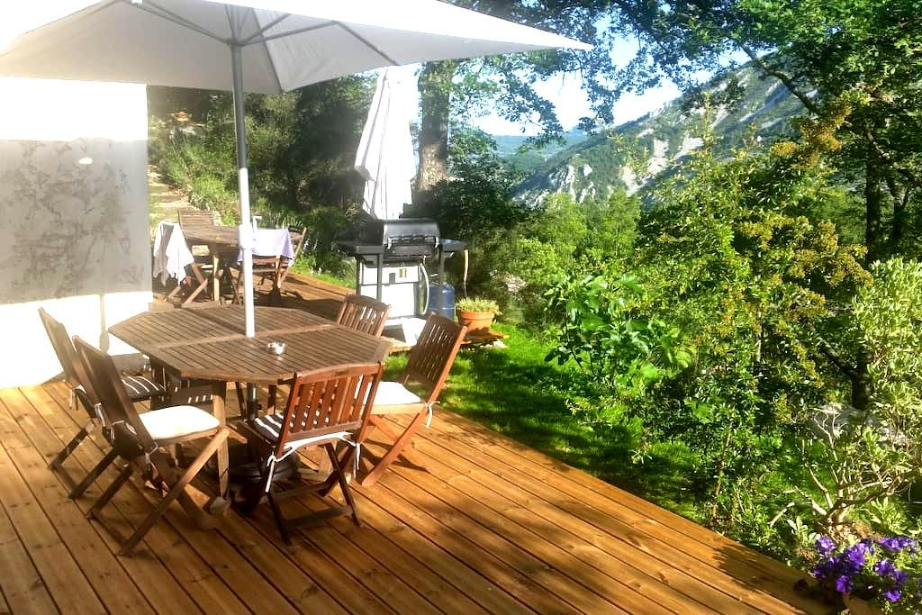 Beautiful Apartment with Great Outdoor - Gréolières - Apartamento
