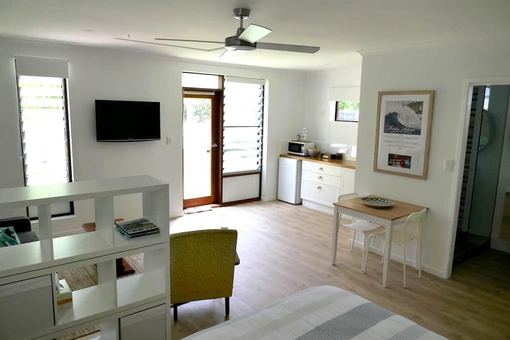 Yaroomba Beachside Studio- 1 minute walk to beach - Yaroomba - Apartamento