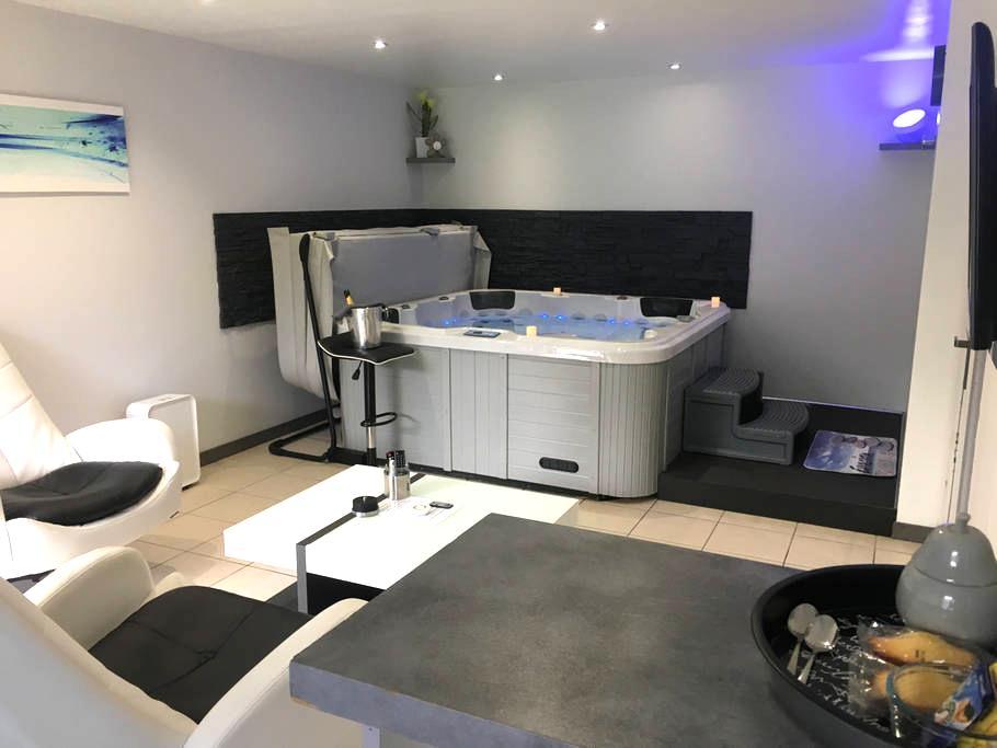 Appartement avec jacuzzi intérieur privatif - Toulouse