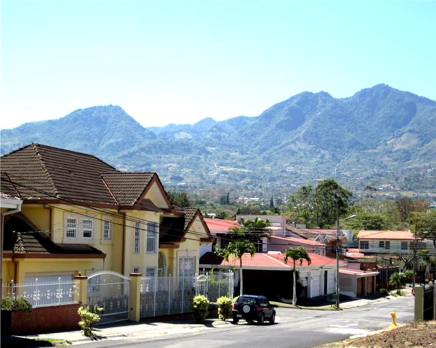Luxury Living for Peanuts!  KOLBI - San Rafael de Escazu - House