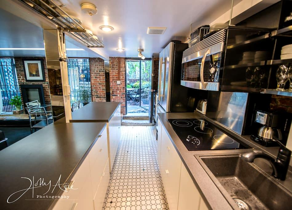 1Studio WalkOutToPatio..CloseToBus,T,HistoricSites - Boston - Apartmen