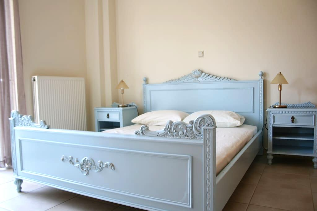 Comfy apartment with garden 10min from the beach - Kalamata