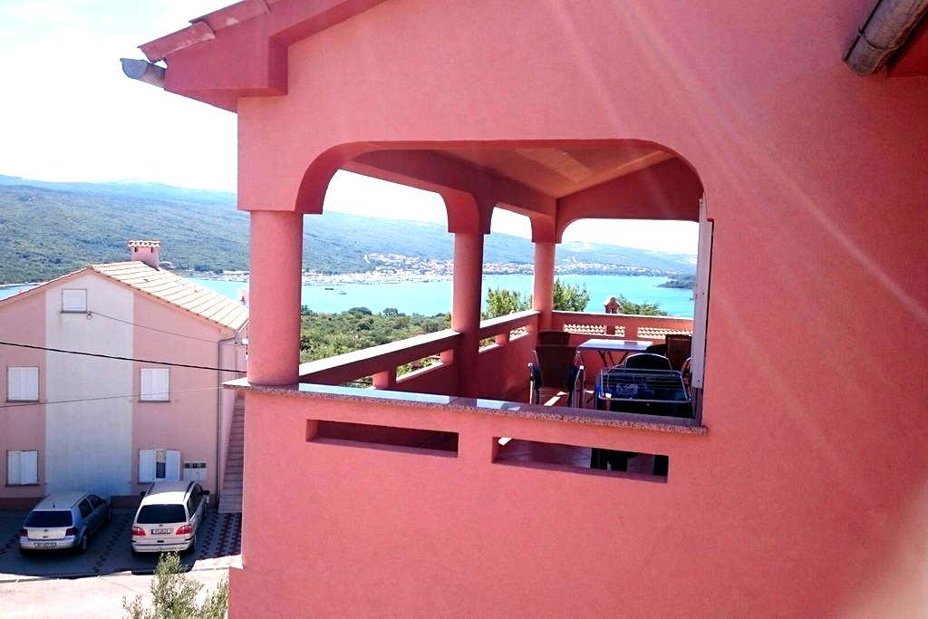 Confortable , saptious, apartament - Kornić - Apartment