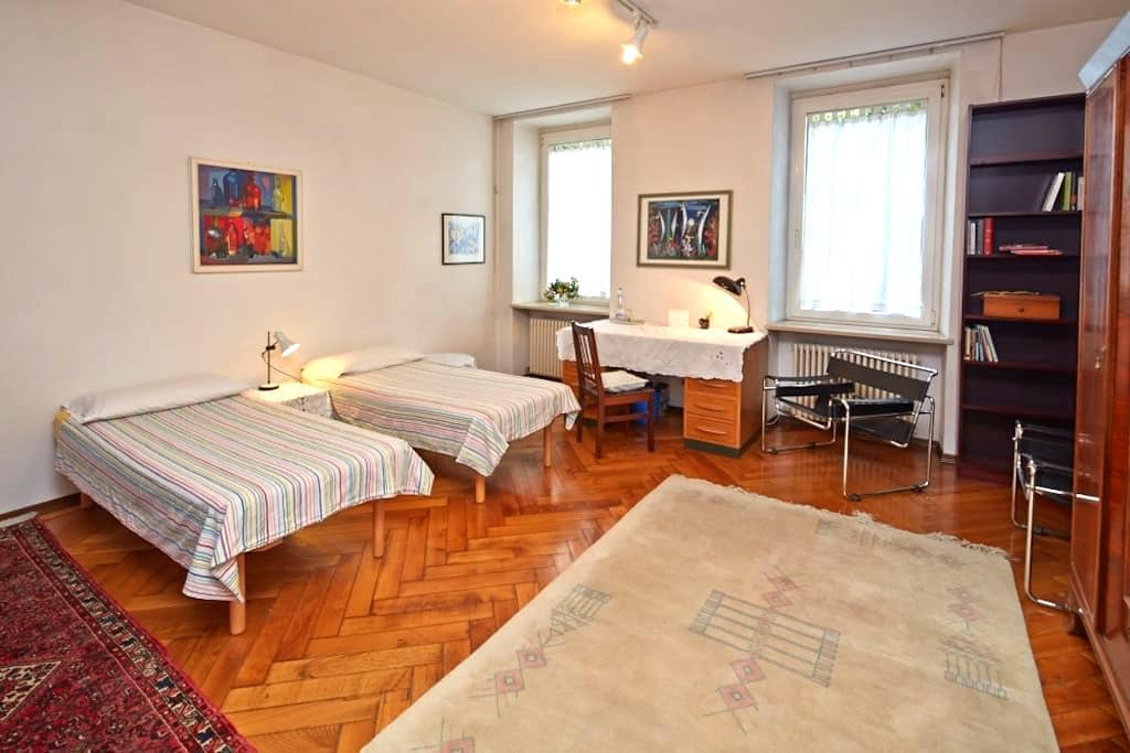 Big double room next to city center - Bolzano - Bed & Breakfast