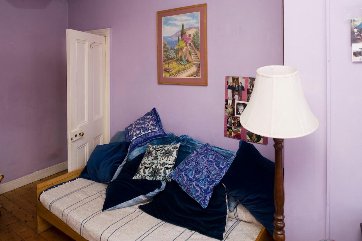 comfy double room near beach/town2
