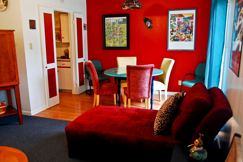 Zilker Park Townhome-Colorful Fun
