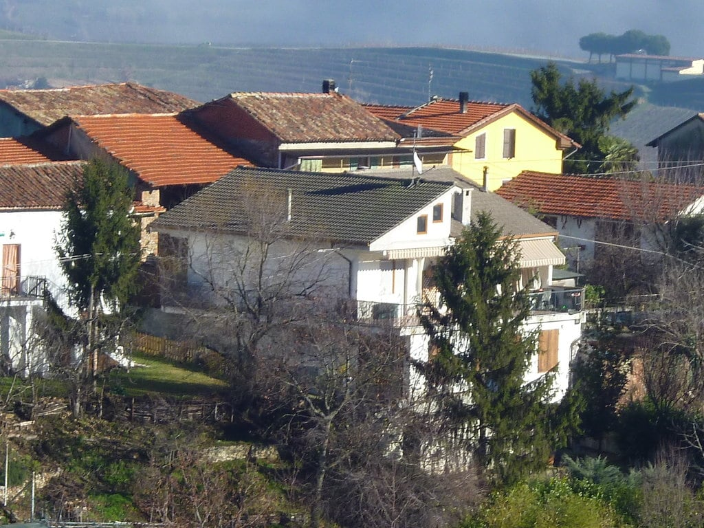 country house on the top-hill near Acqui Terme