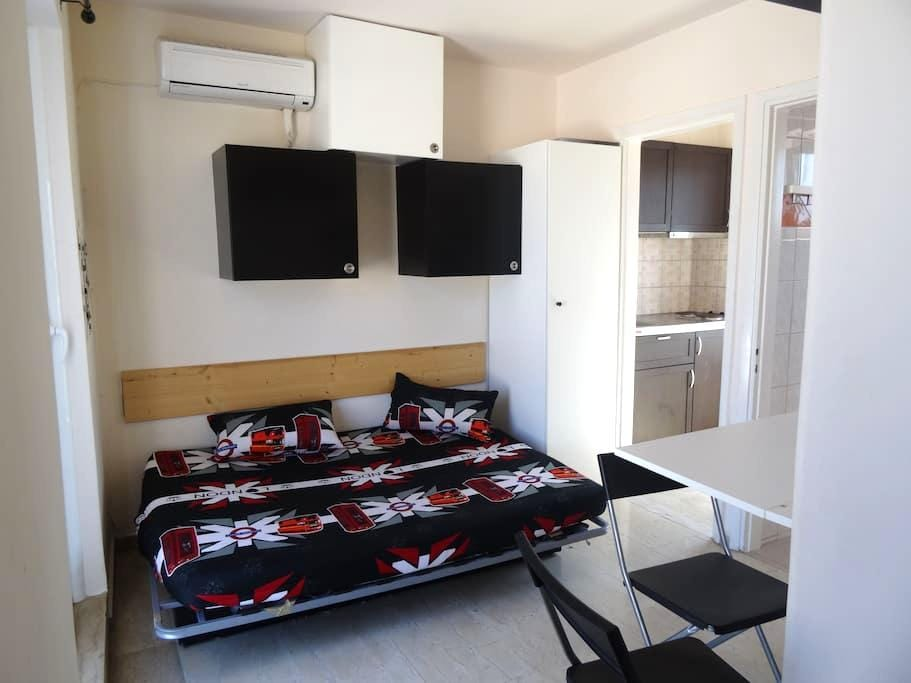 Μodern Studio next to center,port & train - Patra - Apartment
