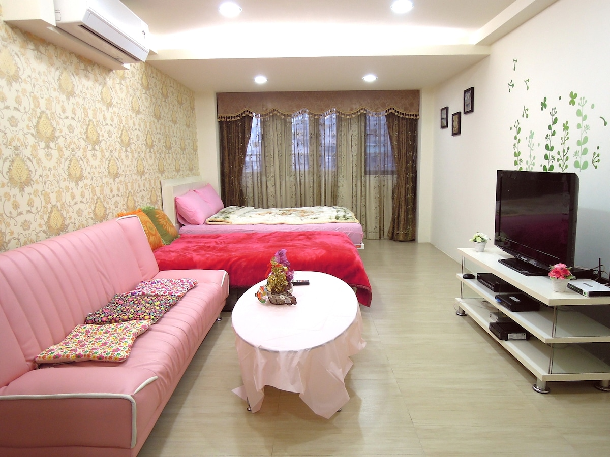 Ximending film Street 4 person room