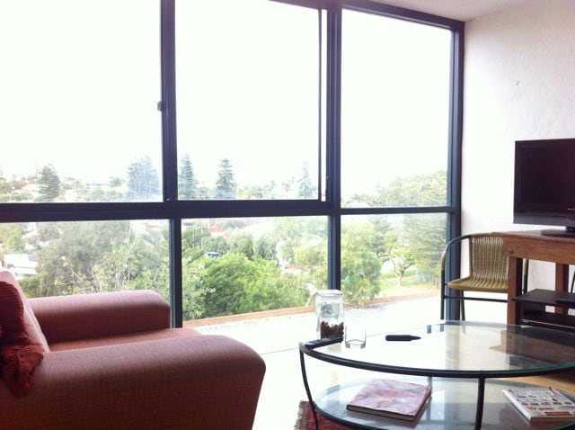Lovely Freo apartment with sea view