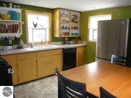 Kitchen with High table