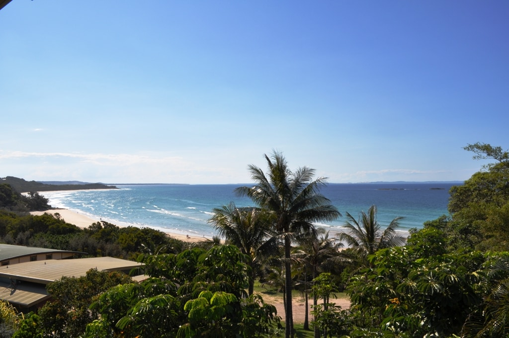 3-bedroom large apartment on beach
