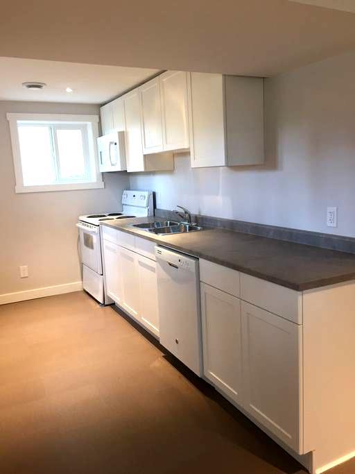 Brand new sunny 2 bed -2 bath suite - Edmonton - Wohnung