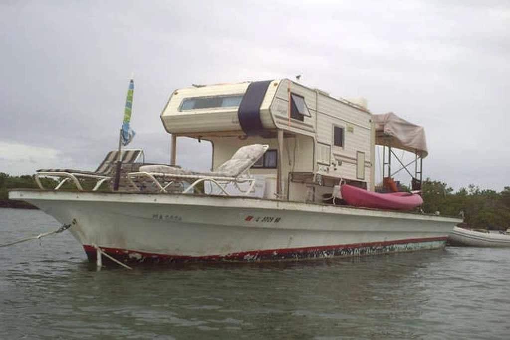 Floating Camper at Anchor Near Key West - Key West - Boat