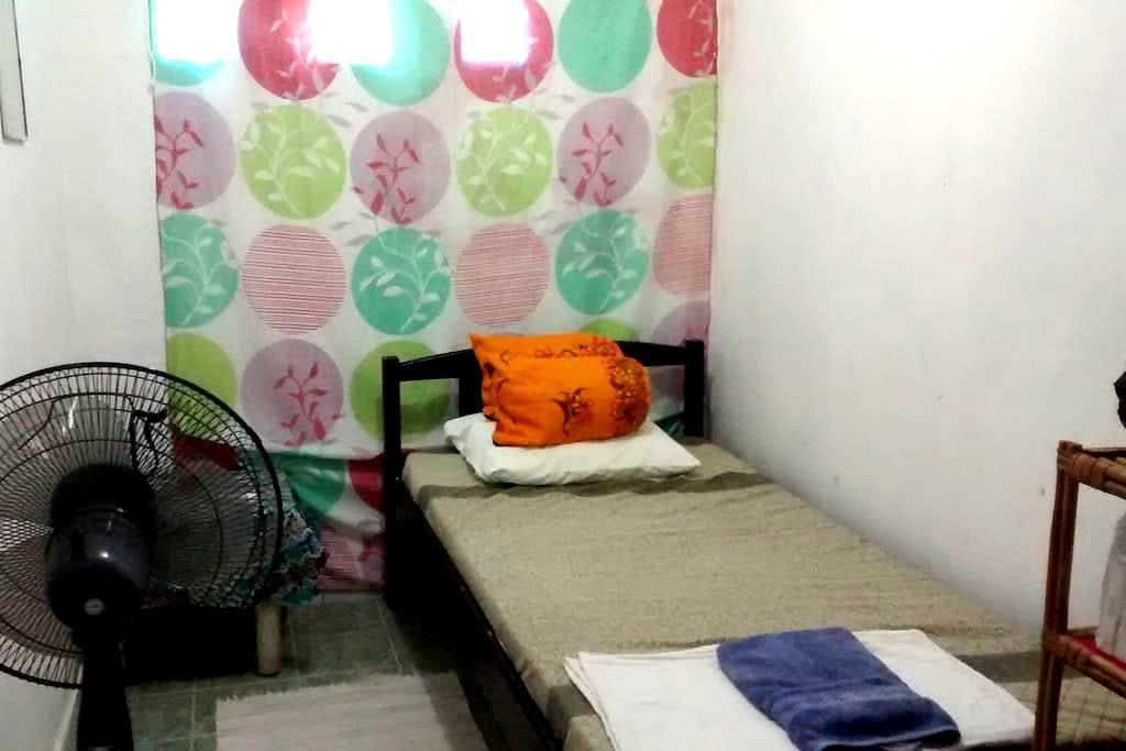 Budget small room, a/cNOW AVAILABLE - Díli - Casa