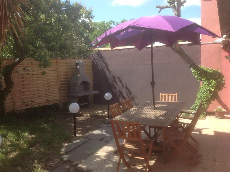 PRETTY HOUSE WITH GARDEN IN AGDE