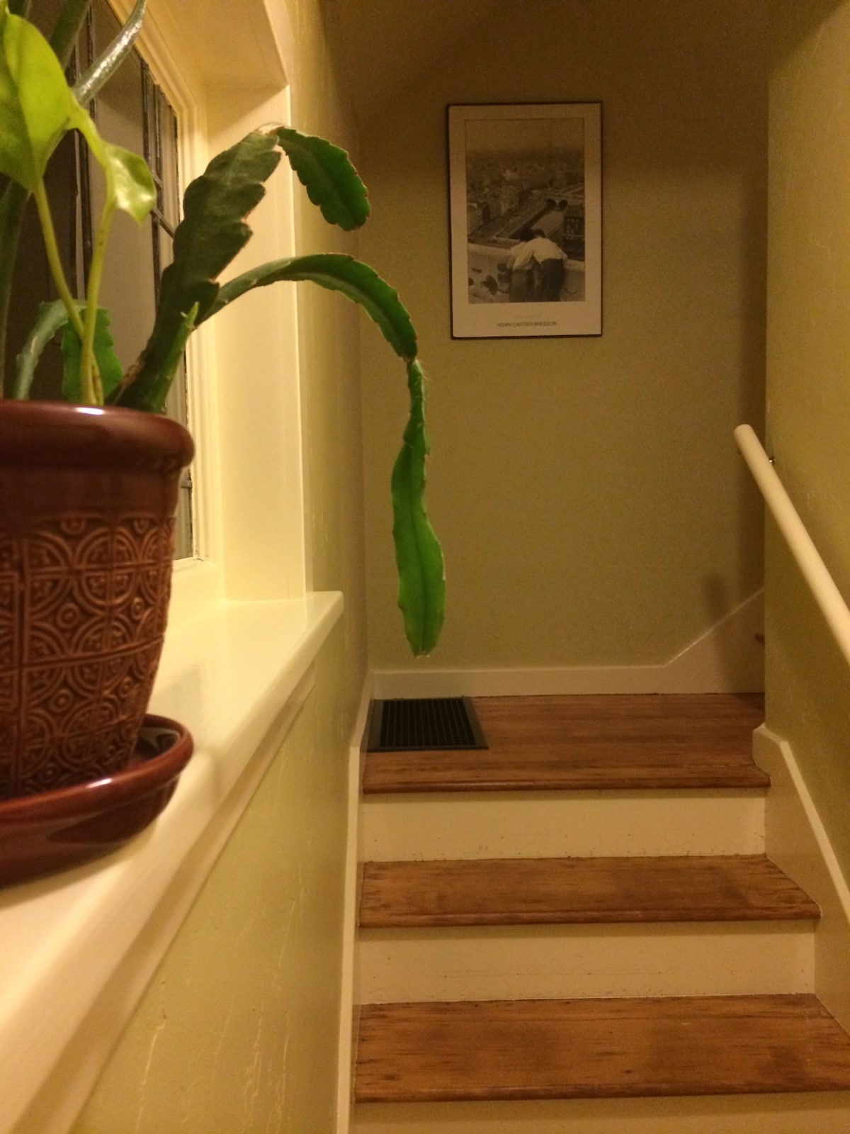 This is the entry way that leads to the second floor rooms.