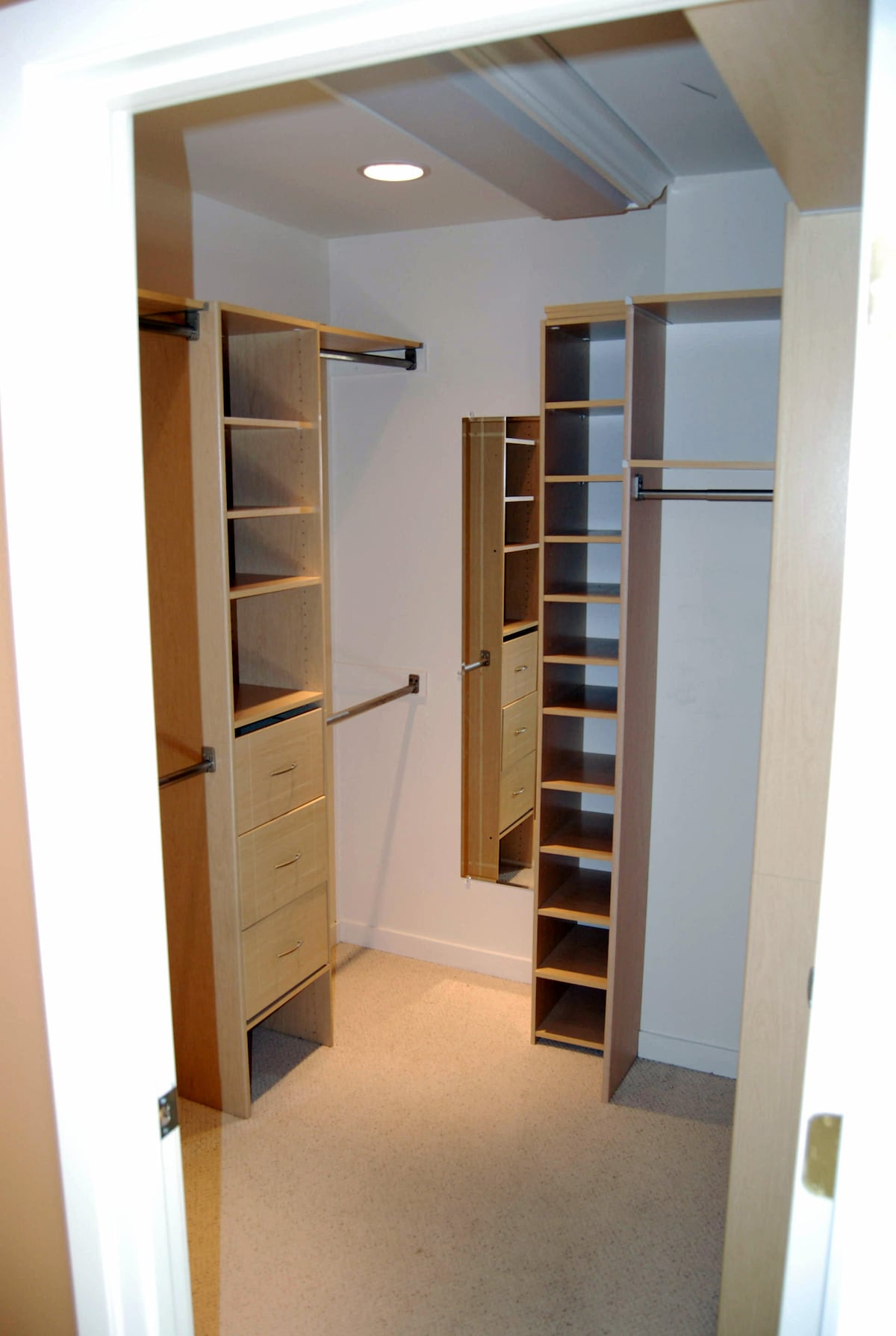 FULL WALK-IN CLOSET IN MASTER SUITE