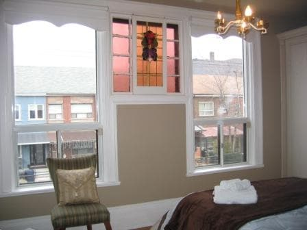 Furnished Heritage Suite Downtown 4