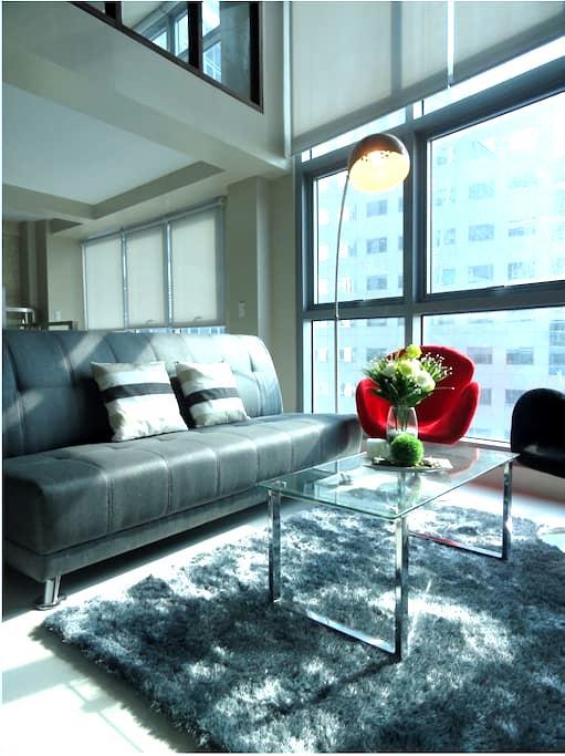 Luxurious 2 Bedroom Loft - Quezon City