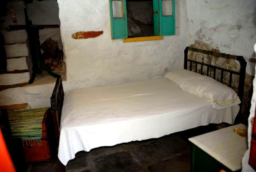 Markos' room - Ano Syros - Hus