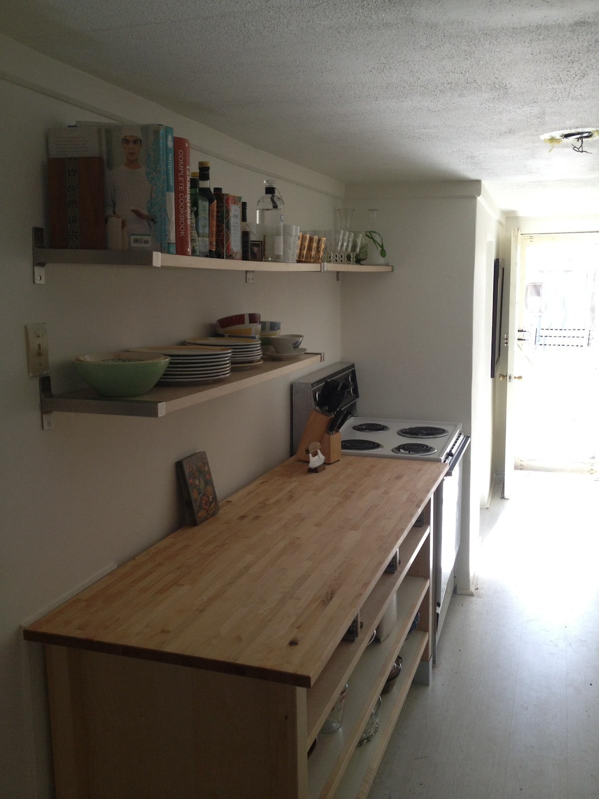 Kitchen (left side)