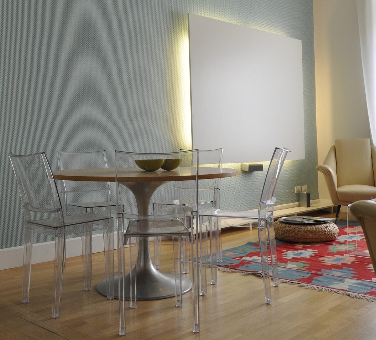 Living room - the dining corner