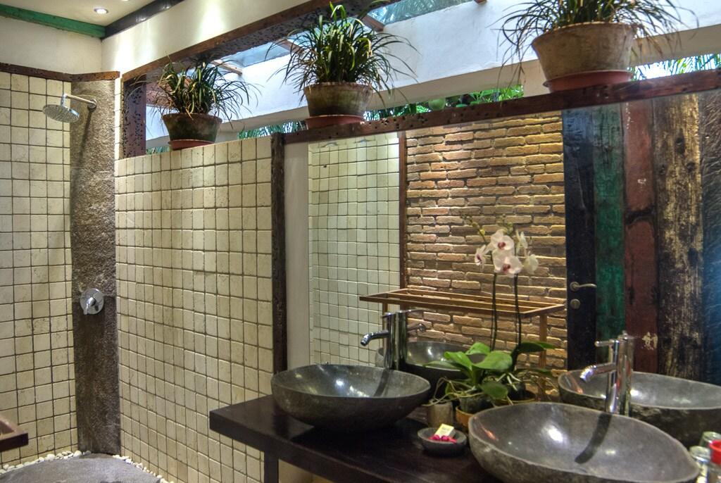 Bathroom No1