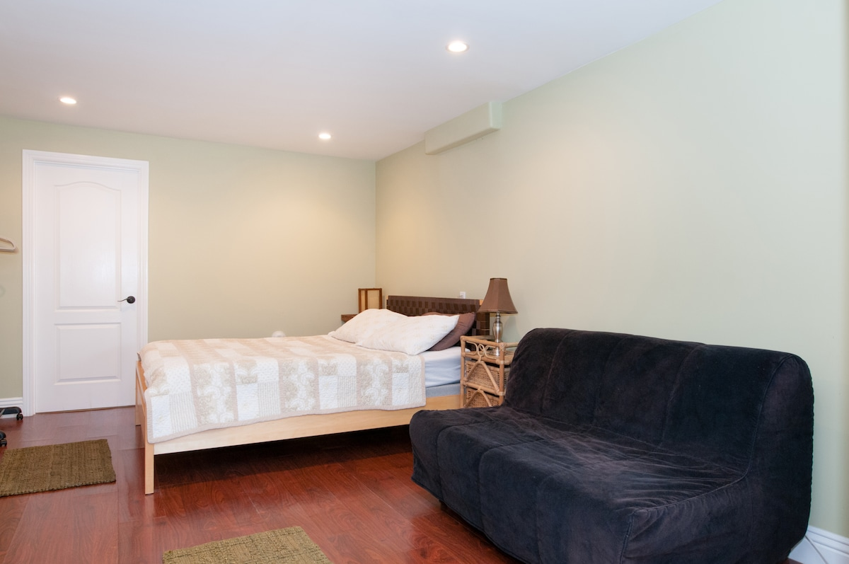 Queen bed and futon