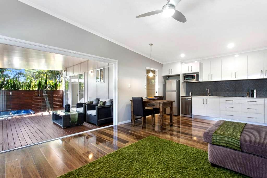 NEW - Secluded luxury cottage for couples - Coolum Beach - Leilighet