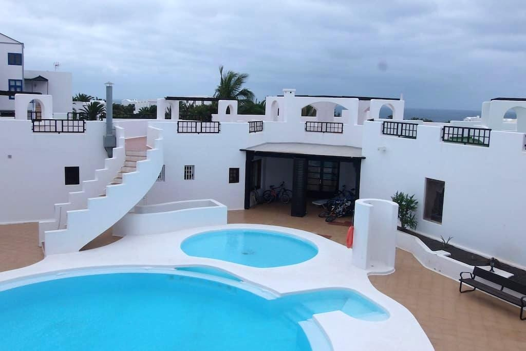 Costa ** RELAX BY THE POOL** - Costa Teguise - Apartment